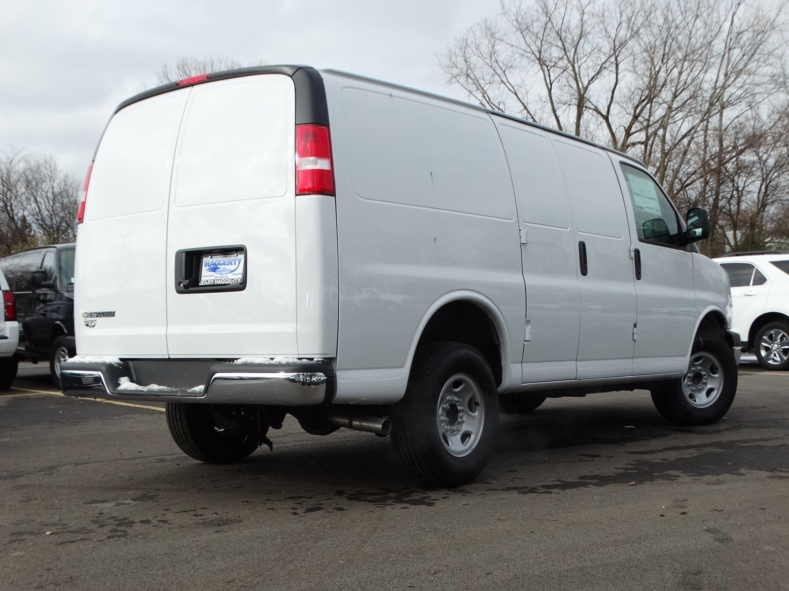 New 2018 Chevrolet Express Cargo Van G2500